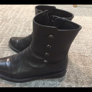 Shoes - Black Button Booties- size 7